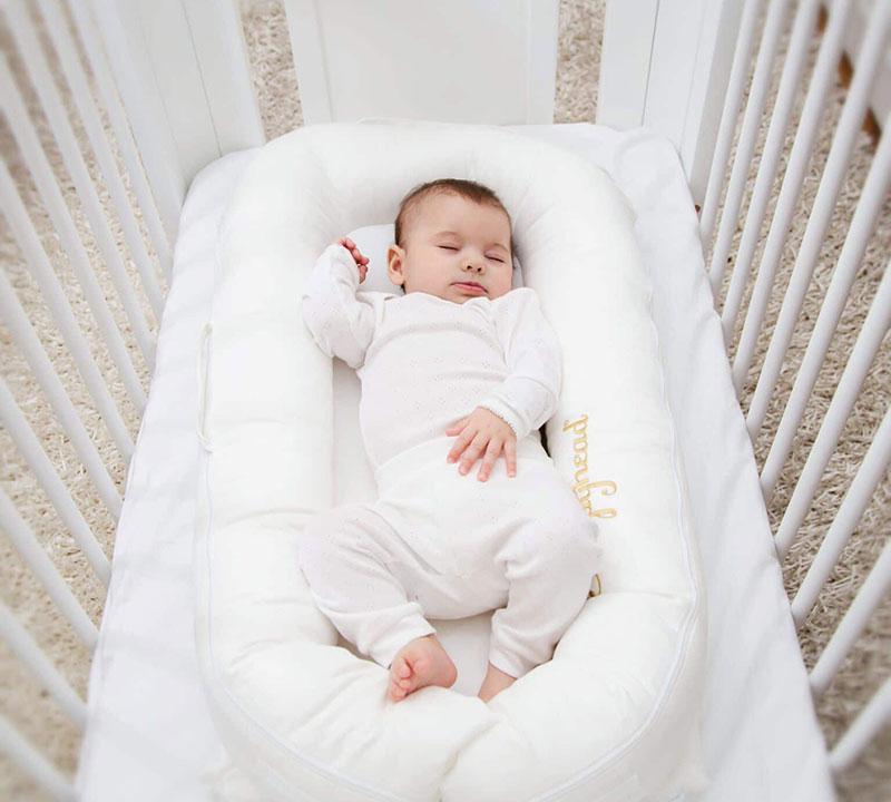 Sleepyhead Deluxe Baby Pod Review - MessySpaghetti